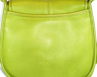 e4a3adca9f5a Vintage Retro Coach Made in USA Green Leather Shoulder Saddle Bag Purse  Ergo Flap No. 9034