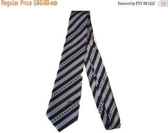 VENDITA Gucci Cravatta seta Horsebit Design Italiano progettazione Business  Casual maschile cravatta Vintage retrò anni 80 76a43291c536