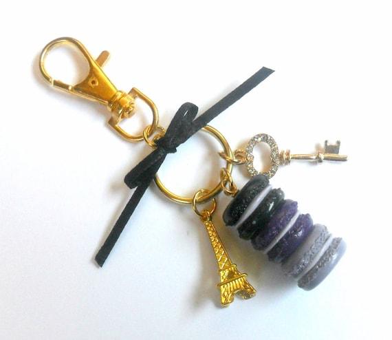 Porte clé poche pendentif charm avec macarons et tour eiffel