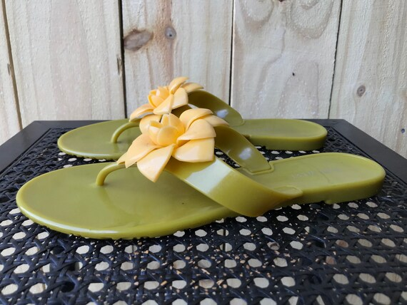 90s 2000s Nine West Jelly Sandals Green Yellow Fl… - image 5