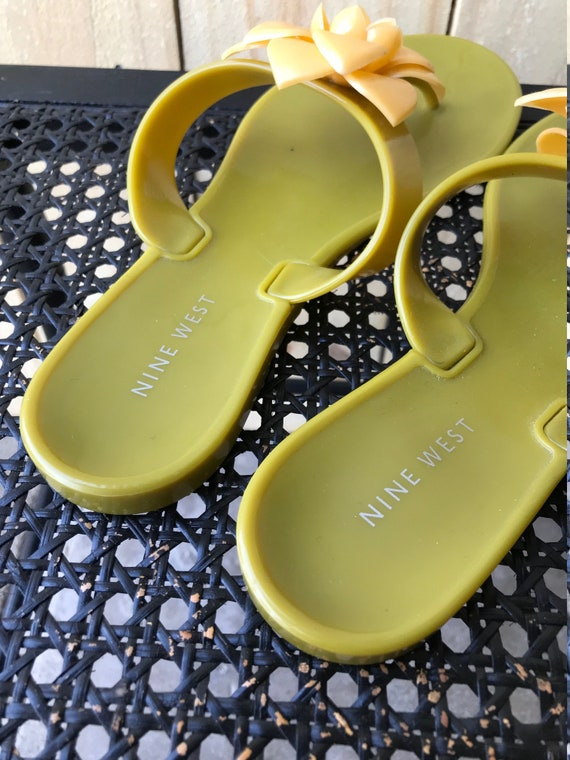 90s 2000s Nine West Jelly Sandals Green Yellow Fl… - image 6