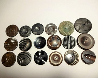 Vintage Coat Button Lot - 18 Large Vintage Buttons - 1930's - 1960's - Early Plastic - Wood - Sewing Notions/Supplies - Craft Buttons