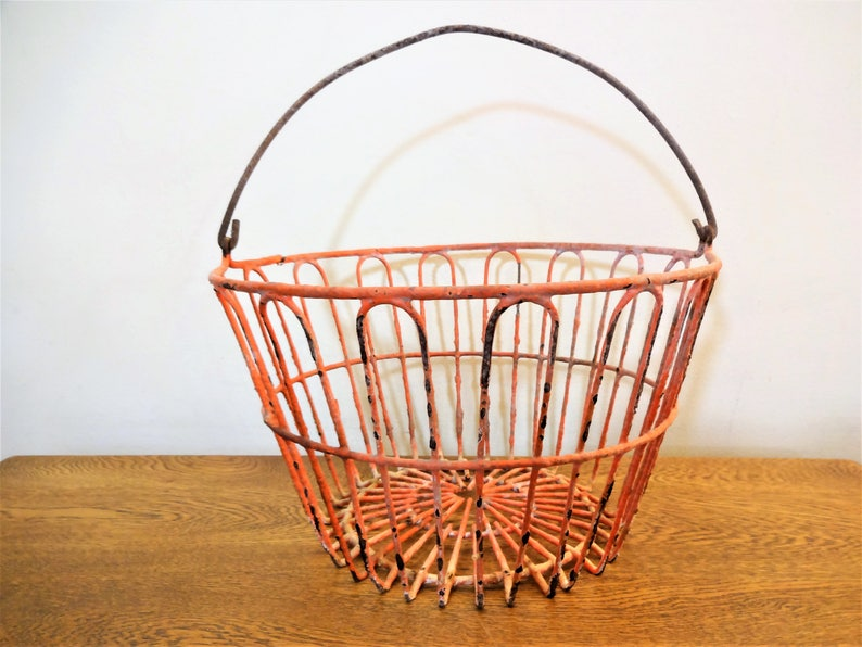 For Gathering Eggs ...poultry...oval...black Decorative Collectibles Wire Chicken Egg Basket.. Collectibles