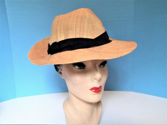 Snappy 1930's/1940's  Fine Straw Fedora Hat - Vint