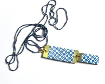 Necklace with pendant rectangle brass Japanese paper - weight Navy blue/white