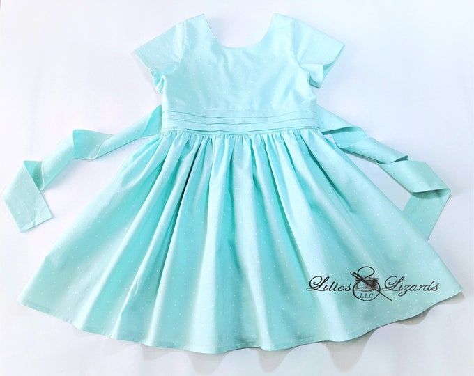 Featured listing image: Girls Vintage 1950's Style Dress