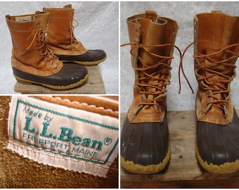 b86495576c48 Vintage Men s L.L.Bean Maine Hunting Shoe Bean Boots Leather High Ankle  Distressed Mens size 8 Womens size 9.5 Made in USA