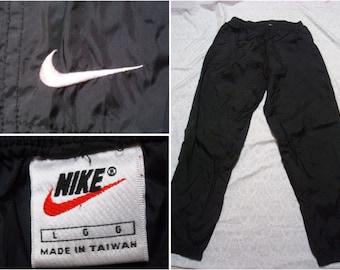 Vintage Men s 90 s Nike Pants Black Warmup Windbreaker Jogger Swoosh Nylon  Large e955569e06