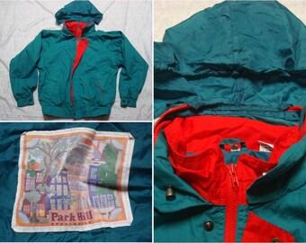 Vintage Retro Men's 90's Park Hill Windbreaker Jacket Green Red Stowable Hood Full Zip Streetwear Oversized Small