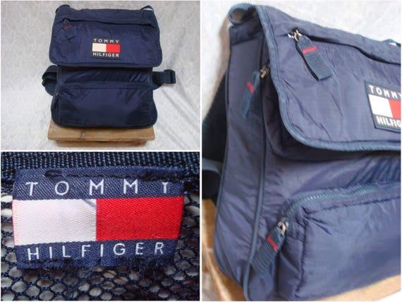 Vintage des années 90 Tommy Hilfiger sac à dos bleu rouge sort   Etsy de020ff0a4de