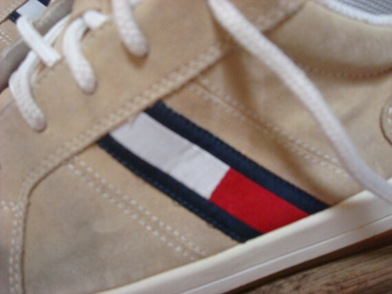 Vintage Tommy Hilfiger Sneakers Tan White Blue Re… - image 5