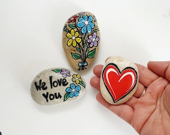 3 stone decoration heart and flowers