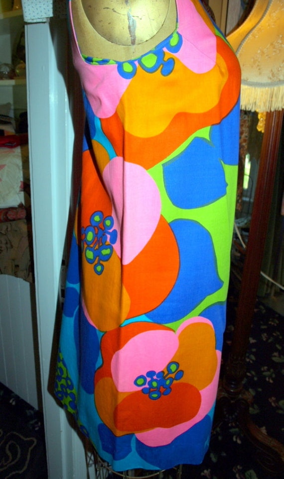 Vintage 1960s Psychedelic Neon Print Shift Dress