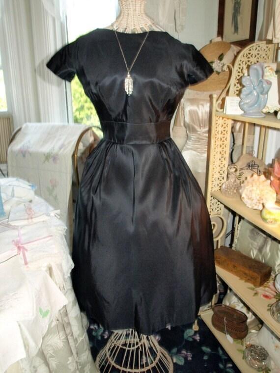 Vintage 1950s Hattie Carnegie Black Silk Taffeta C