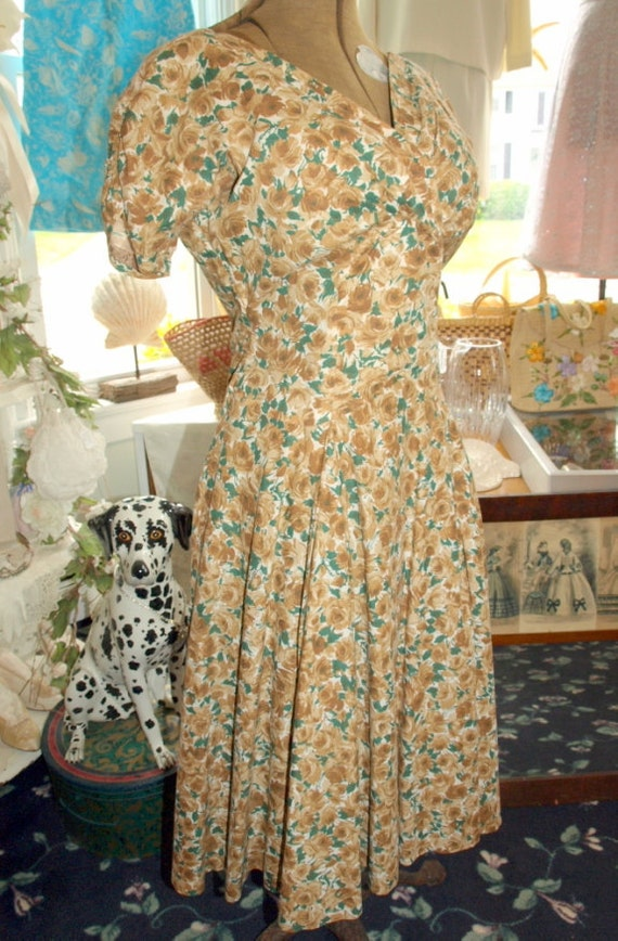 1950s Vintage Rose Print Cotton Dress