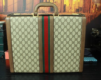 c6e0d0073445 GUCCI Rare Vintage Collectible Lawyer Doctor Professional Attache Briefcase  Bag Mens