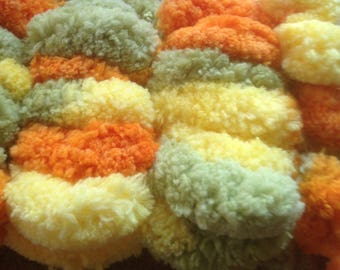 Double cover tassels reversible - colors orange, yellow, green - 100% polyester - handmade