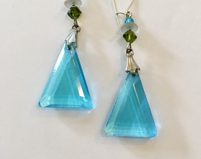 Vintage Czech Glass Aqua Earrings, Caribbean Blue Earrings, Aqua Pyramid Earrings, Blue Triangle Earrings, Pressed Glass Earrings, Lucy Isa