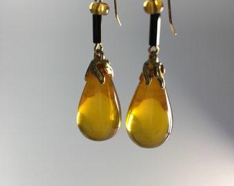 Vintage Bakelite Earrings,  Yellow Earrings, Apple juice bakelite, Bakelite Earrings, Amber Earrings,