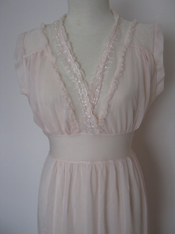 Vintage 1950s Nylon Lingerie Sleepwear Nightgown P