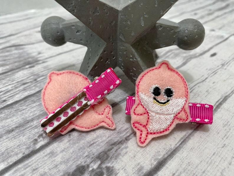 BABY SHARK Do Doo Pink Shark No Slip Hair Clips Set of 2 Barrettes
