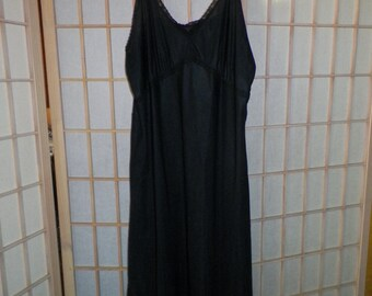 60598e876cd9 Dutchmaid Black Nylon Full Slip Night Gown Lingerie Size 34