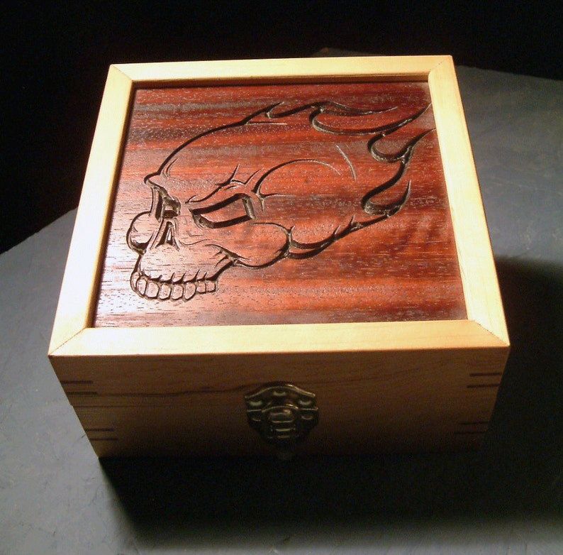 Flaming Skull Box image 0