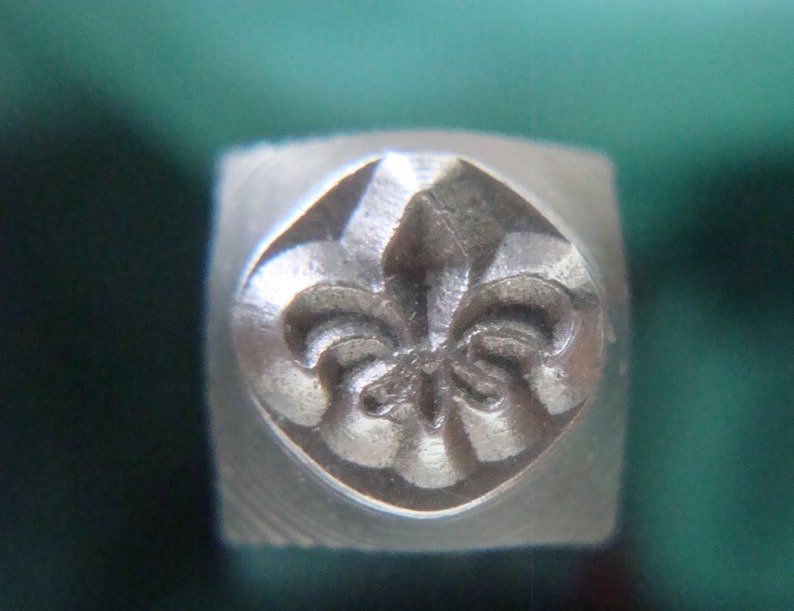 6mm Fleur de Lis Metal Stamp Flourish stamps jewelry image 0