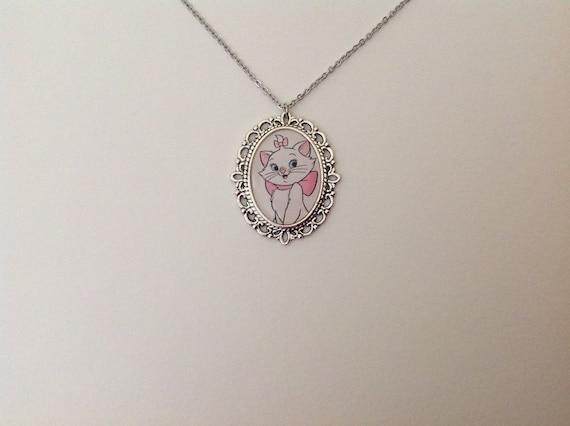 Kitschy Christmas Kitten necklace