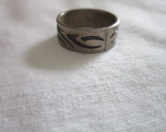 Vintage Sterling Silver Native American Mens Ring with geometric design