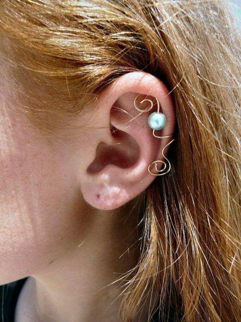 Ear Cuff Gold & Mint Pearl image 0