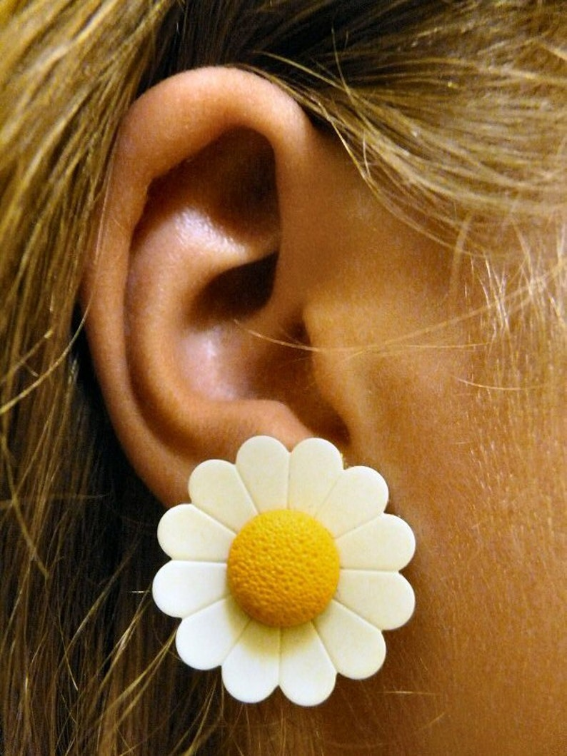 Large Daisy Post Earrings White & Yellow image 0