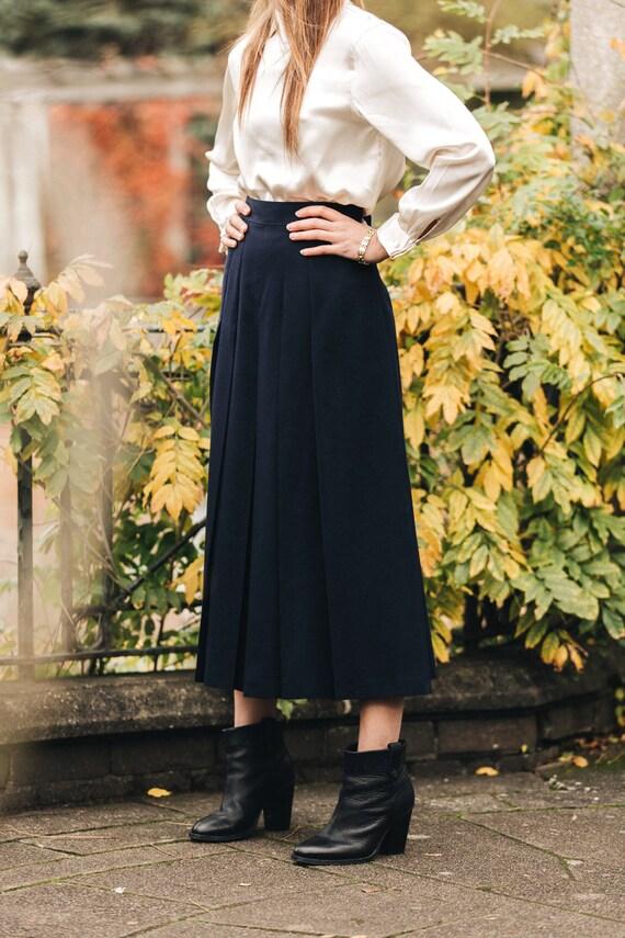 Pleated vintage culotte pants.