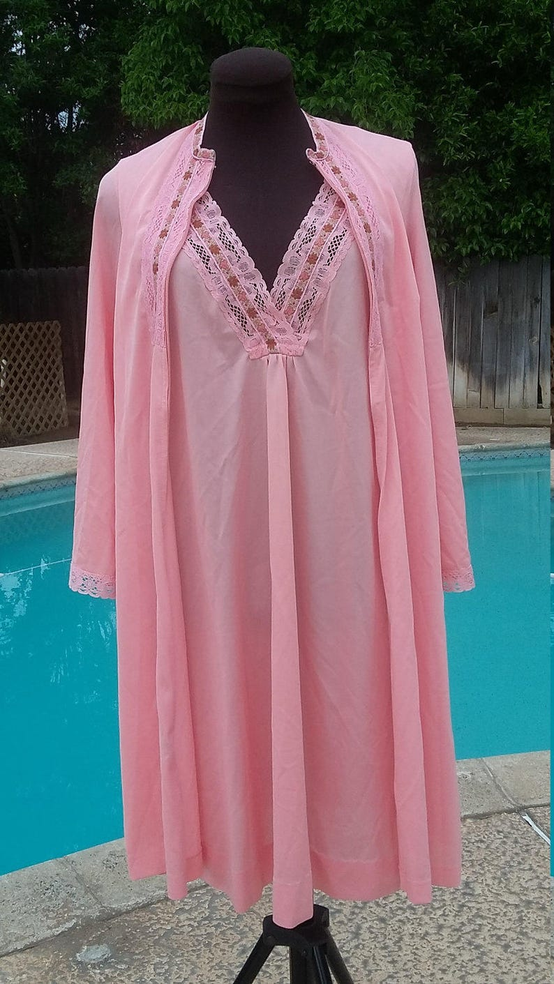 a5cce6c57ca Gossard Artemis Vintage Mini Nightgown and Robe Lounger Caftan