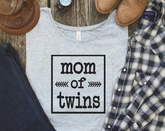 Twim Mom shirt - Mom of Twins - Twin Shirts - Gift for mom - Mom of Multiples - Twin Mom - Mom shirt - Baby shower Gift - Mother of Twins