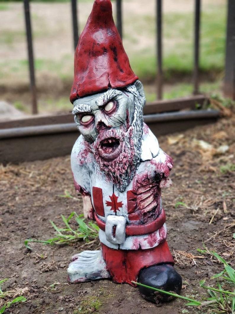 Canada Zombie Gnome image 0
