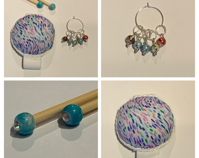 Swirls Gift Set includes 23cm 4mm knitting needles, wrist pin cushion and stitch markers