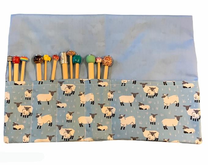 Full set of crochet hooks with case & 5 crochet clips