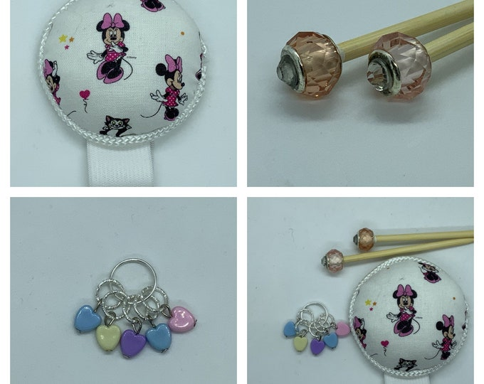 Minnie Mouse Gift Set includes 23cm 4mm knitting needles, wrist pin cushion and stitch markers
