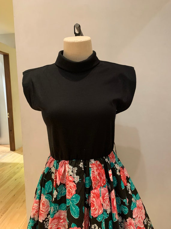 1980s floral mini dress - image 6