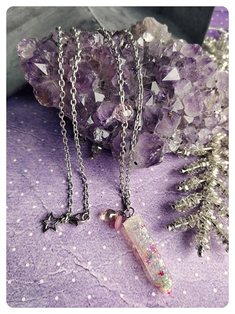 Glitter resin crystal necklace