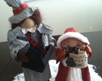 CHRISTMAS In August SALE..                    Vintage Old Fashion Paper Mâché Christmas Carolers