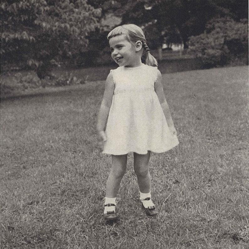 9dc0e18f422 Flower Girl 1950s Knitting Dress Wedding Bridal 50s