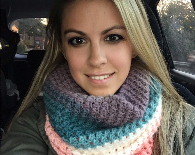 Spring Bean Cowl/crochet cowl/infinity scarf/fall fashion/holiday gift/teacher gifts/Cowl