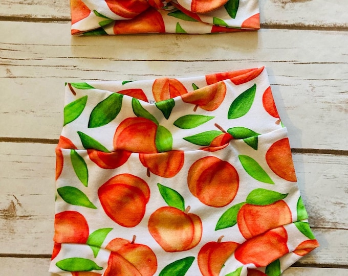 Peaches Watercolor Bummies/Infant Bummies/Infant Shorts/High Waisted Bummies