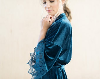 THE ORIGINAL Dusty Blue Velvet and Lace Bridal Robe, Something Blue Velvet Robe For The Bride, Unique Bridesmaid Robes, Dusty Blue Wedding