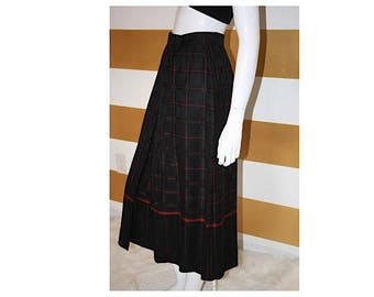 SALE (20% off) Vintage Skirt // High Waist // Pleated // Midi // Checkerboard // Kilt // A Line // Wool // Red and Black // W 26""