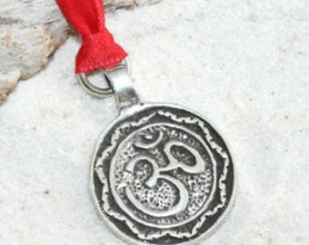 Pewter Circle Ohm Om Buddha Yoga Namaste Meditation Christmas Ornament and Holiday Decoration (29A)