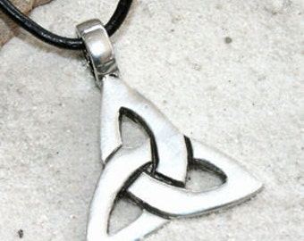 Pewter Triquetra Knot Celtic Triangle Trinity Pendant on Leather Necklace (21A)