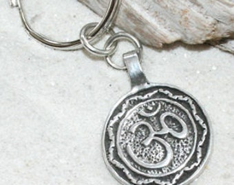 Pewter Circle Ohm Om Buddha Yoga Namaste Meditation Keychain Key Ring (29A-KC)